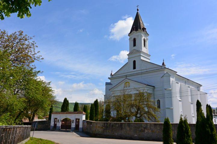 gelence-katolikus-templom-uj.jpg