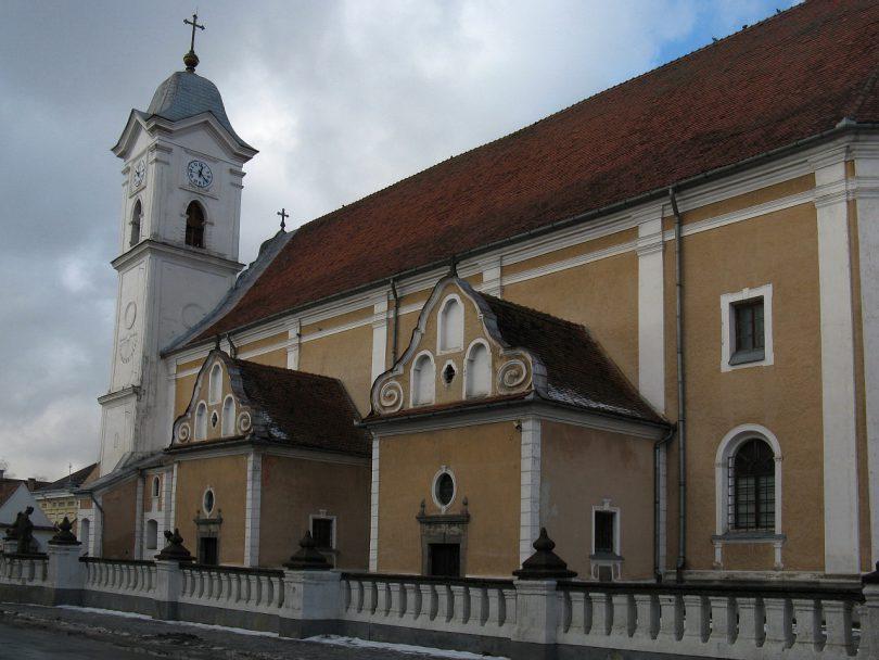 szent-miklos-romai-katolikus-templom-gyergyoszentmiklos-2-o.jpg