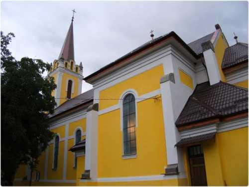 korondi-romai-katolikus-templom.jpg