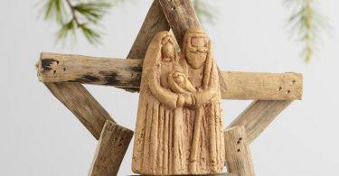 driftwood-nativity-scene-ornament.jpg